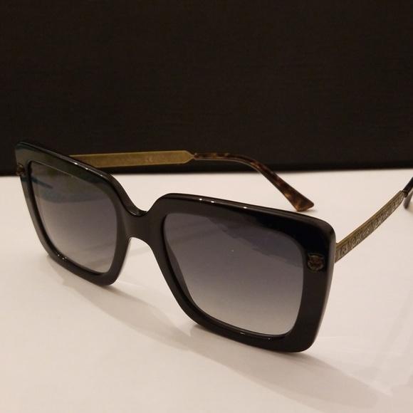 b805bb08d6a Gucci Accessories - Gucci sunglasses GG0216 001